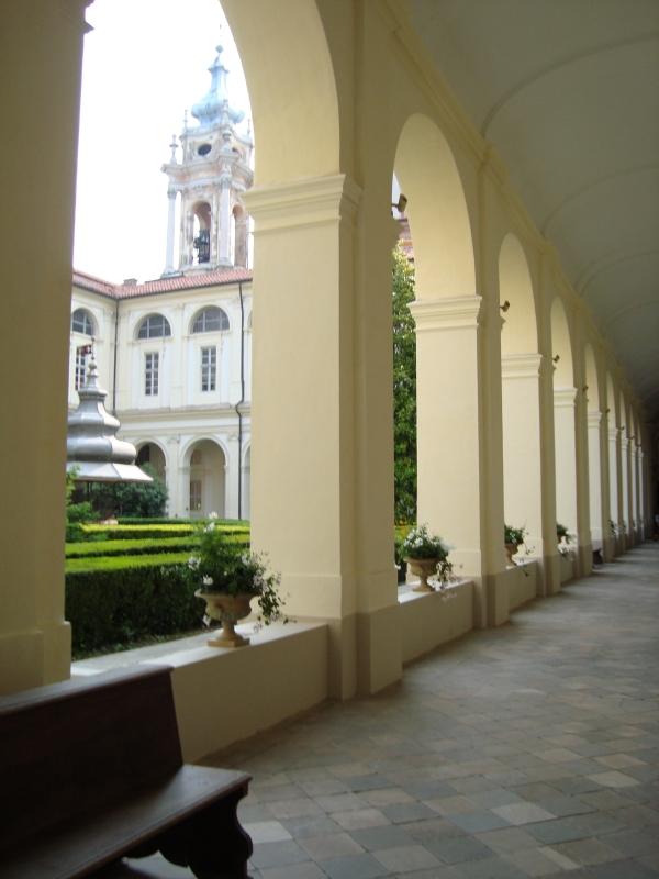 Along the museum corridor.JPG