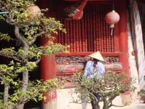 woman at temple of literature